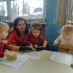 Warsztaty sensoplastyczne w przedszkolu – masa sodowa